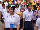 ผู้อำนวยการและครูกลัดดอกไม้ให้กำลังใจนักเรียน ม.3 , ม.6_8